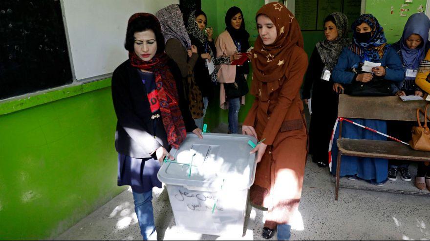 آمار قربانیان انتخابات پارلمانی افغانستان؛ ۵۶ کشته و ۳۷۹ زخمی