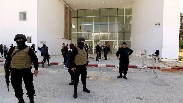 قوات أمنية تونسية أمام متحف باردو - صورة من أرشيف يورونيوز