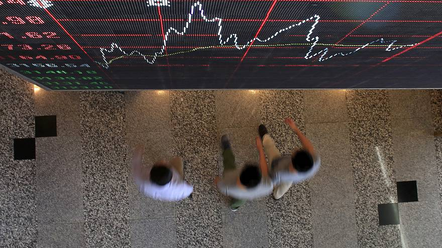 Asian shares inch up, investors brace for U.S. elections