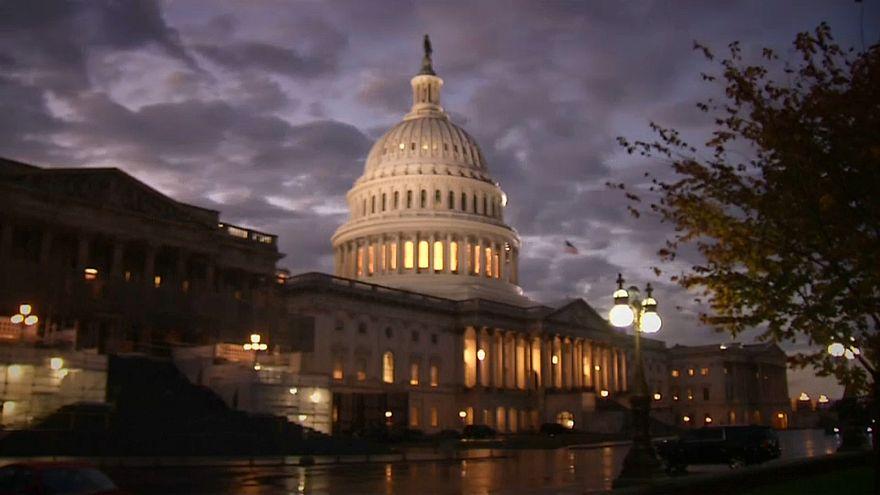 الجمهوريون يحافطون على سيطرتهم على مجلس الشيوخ والديمقراطيون ينتزعون السيطرة على مجلس النواب