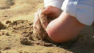 Bretagna: nuova inchiesta su casi di bimbi nati senza braccia