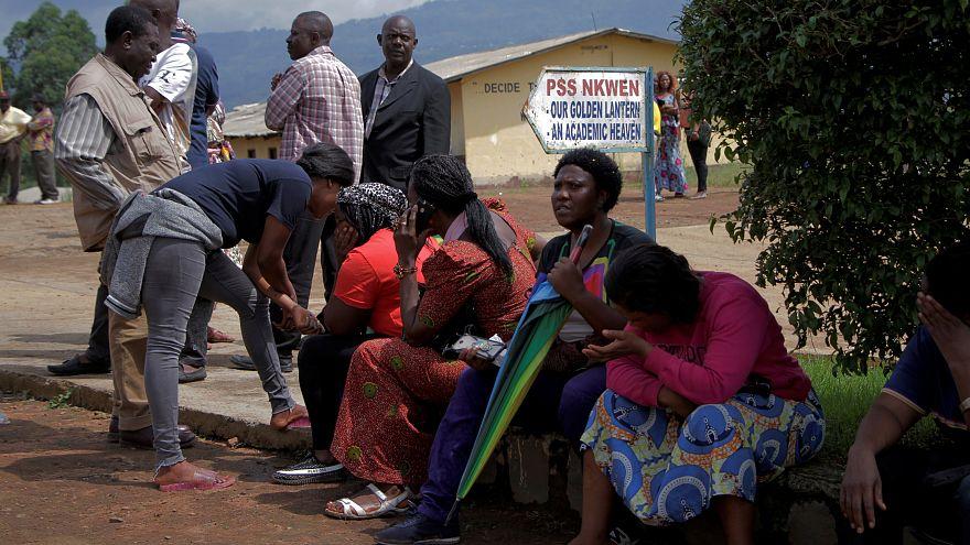 В Камеруне освобождены все 79 школьников, захваченные накануне. Боевики всё еще удерживают директора школы и одного учителя.