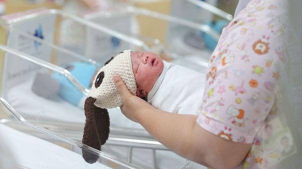 شکایت شهردار دیژون فرانسه از مادری که نام نوزاد خود را «جهاد» گذاشت