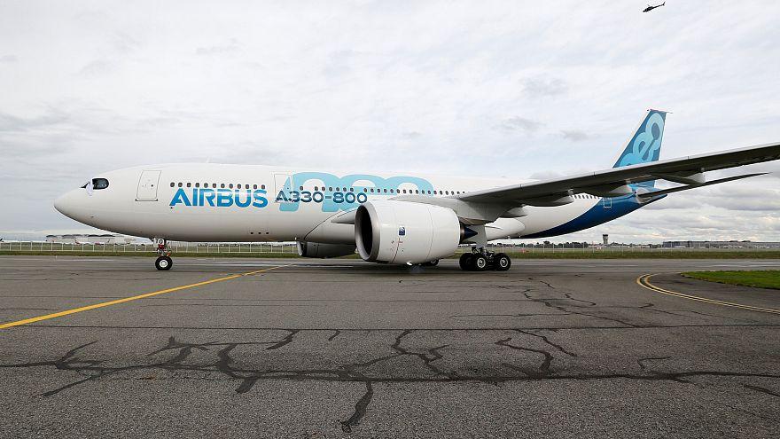 ايرباص تسير أول رحلة لطائرتها المحدثة إيه 330-800