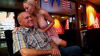 Geçen ay ölen genelev sahibi Hof, Nevada seçimlerini kazandı