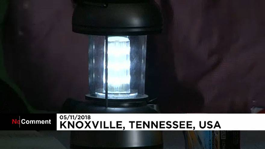 Votes are cast in darkness after power outage in Tennessee