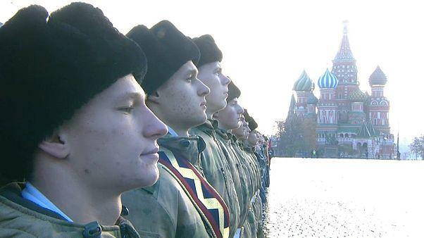Moskauer Militärparade von 1941 nachgestellt