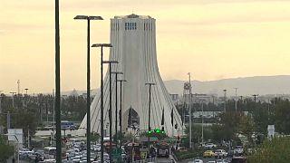 في مواجهة عقوبات جديدة.. الإيرانيون يصبون غضبهم على أصحاب المال والنفوذ