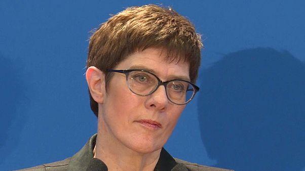 "CDU: Kramp-Karrenbauer will ""neues Kapitel"""