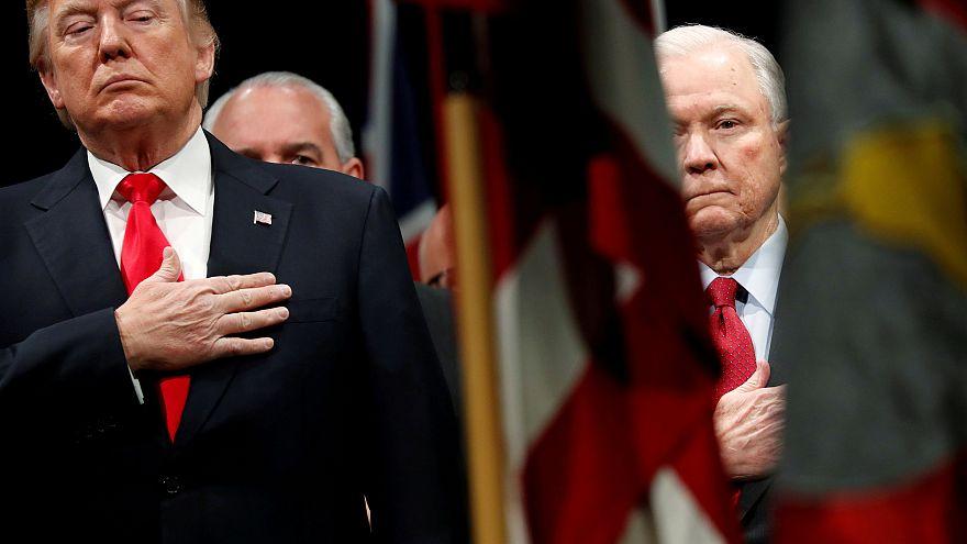 ABD Başkanı Donald Trump istedi Adalet Bakanı Jeff Sessions istifasını verdi