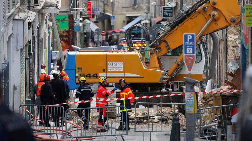 В Марселе на месте обрушения домов приостановлена поисковая операция