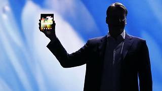 Le smartphone à écran pliable débarque