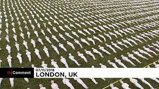 British artist unveils thousands of shrouded figures for World War One centenary