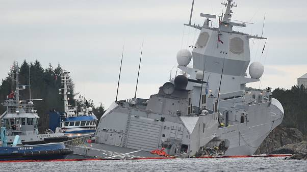 Tanker ütközött hadihajóval Norvégiában