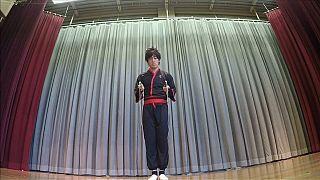 شاهد: رياضي ياباني يحقق رقما قياسيا جديدا في القفز بالحبل