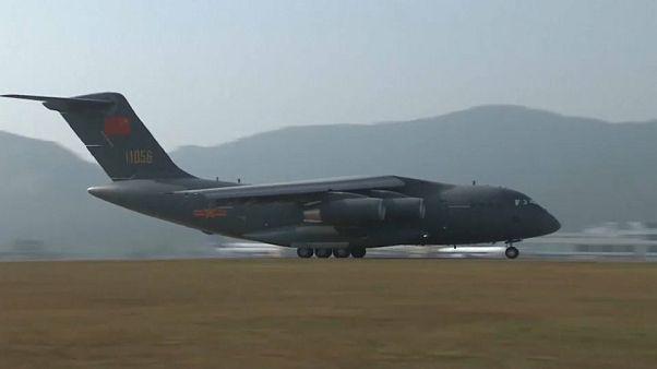 شاهد: استعراض جوي خارق لطائرات النقل والمقاتلات العسكرية في الصين