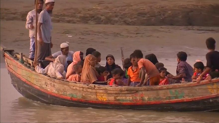 Arakanlı Müslümanlar balıkçı tekneleriyle Malezya'ya kaçmaya çalışıyor