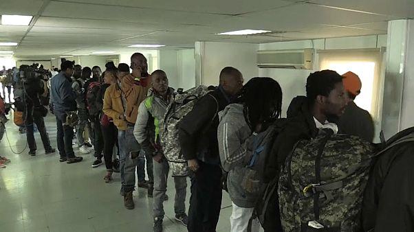 Repatriados de Chile 176 haitianos