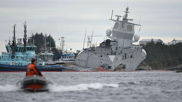 برخورد نفتکش با ناو نروژی