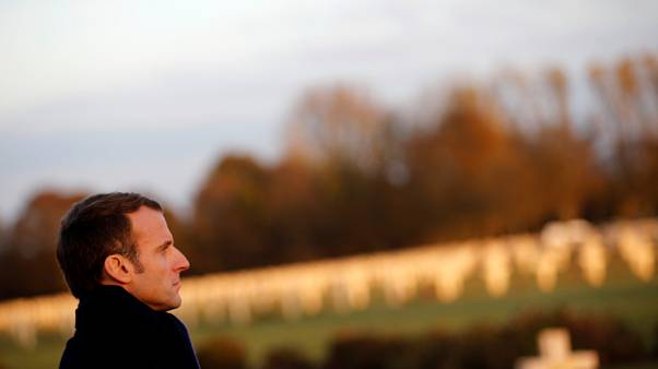 Macron rend hommage aux Poilus à Notre-Dame-de-Lorette