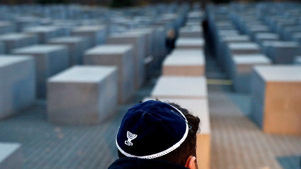 """Годовщина """"Хрустальной ночи"""", погрома евреев в европейских странах"""