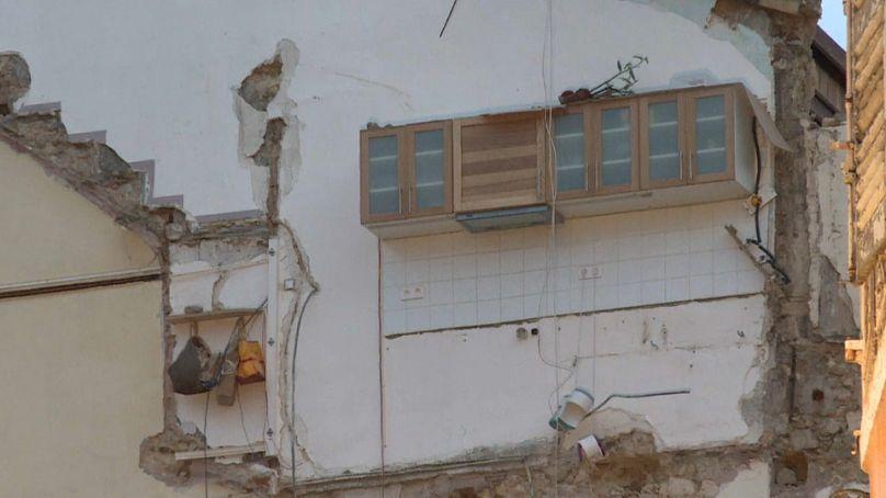 Trois blessés légers après la chute d'un morceau de balcon à Marseille