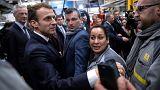 Dans l'Est, Macron rend hommage et récolte la colère