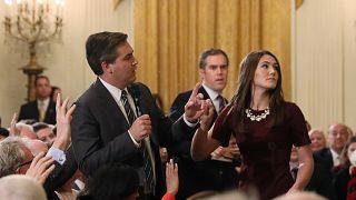 شاهد: خبراء يكشفون تلاعب البيت الأبيض بفيديو مراسل سي إن إن