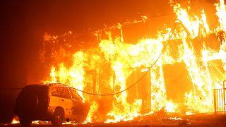 Un incendio arrasa la localidad de Paradise