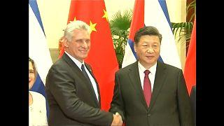 Díaz-Canel coquetea con China