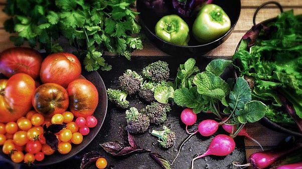 Veganların sağlıkları tehlikede mi? B12, kalsiyum ve demiri nereden alıyorlar?