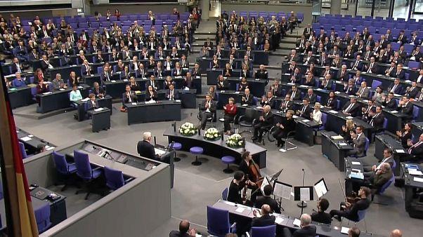 Γερμανία: H Βουλή τιμά τη μνήμη των θυμάτων της «Νύχτας των Κρυστάλλων»