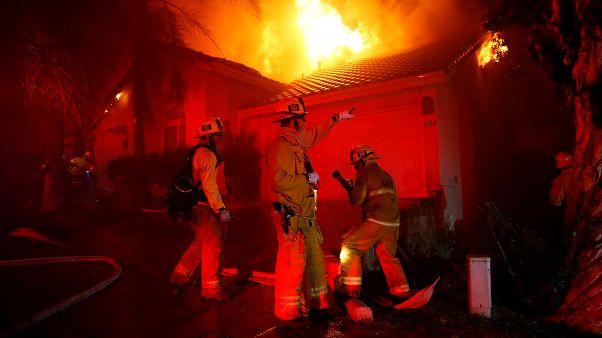 VİDEO   Kaliforniya tarihinin en yıkıcı yangını: Bilanço en az 23'e yükseldi