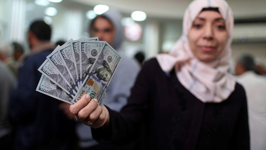 بعد موافقة إسرائيلية.. قطر تمنح 90 مليون دولار لدفع رواتب موظفي غزة