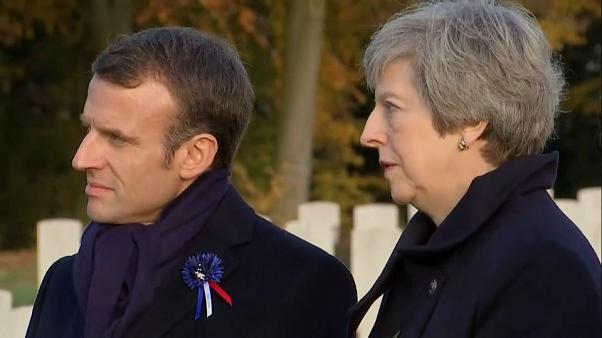 May e Macron prestam homenagem aos soldados mortos na Grande Guerra