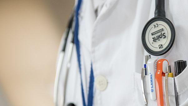 Hollanda'da Alzheimer hastası kadına ötanazi uygulayan doktor hakkında soruşturma