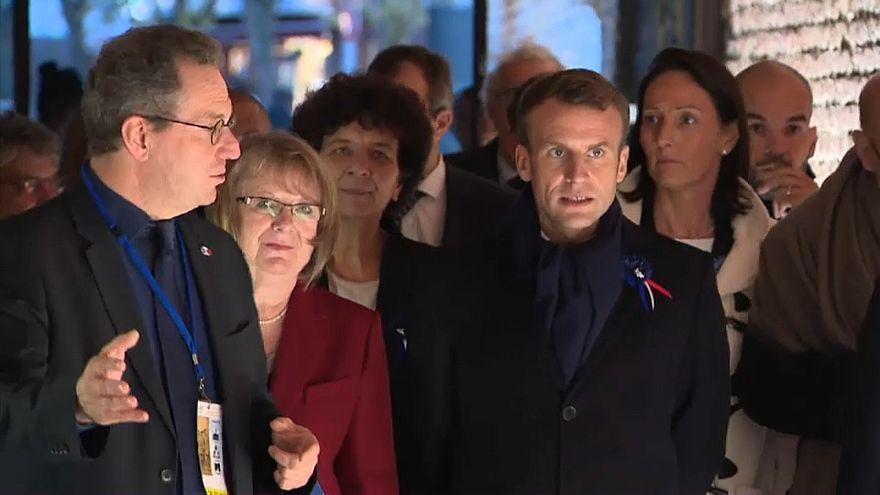 Tibio recibimiento a Macron en el norte de Francia