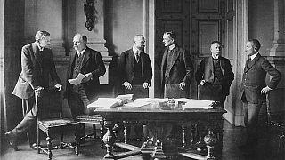 Alman heyeti Versay Barış Anlaşması görüşmelerinde