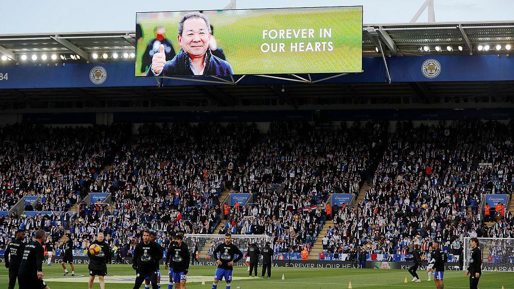 Фанаты «Лестера» почтили память владельца клуба многотысячным шествием