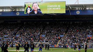 Multitudinario homenaje de la afición del Leicester a Vichai Srivaddhanaprabha