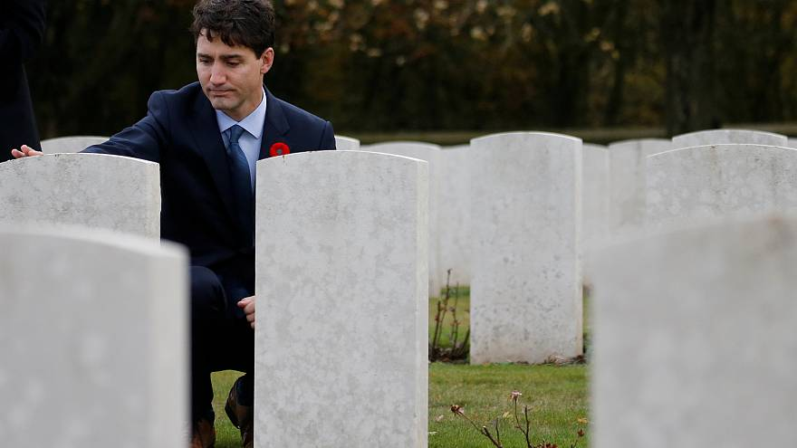 Trudeau honours Canadian fallen on eve of Armistice centenary
