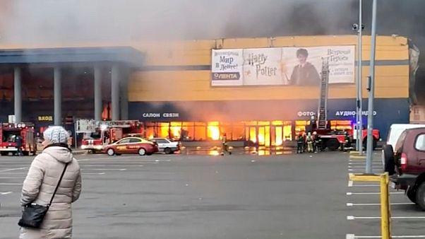 Feuer in einem Supermarkt in Sankt Petersburg