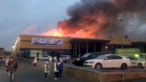Kigyulladt egy szentpétervári szupermarket