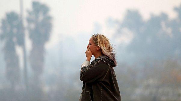 Celebrities flee deadly California wildfires