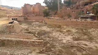 شاهد: الفيضانات في البتراء تحيل المدينة الوردية لأنهار من الطين