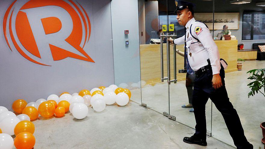 Filipinler'de muhalif haber sitesine vergi soruşturması