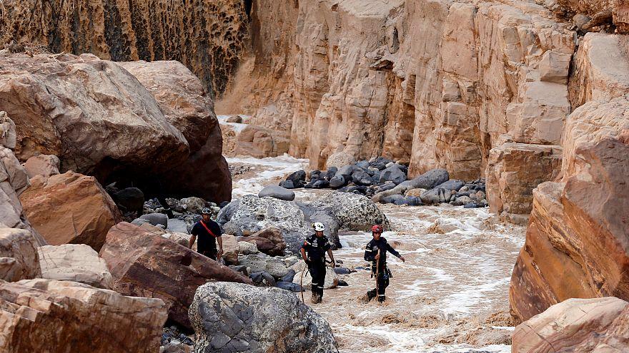 البتراء الأردنية تستعيد نشاطها بعد أسوأ فيضانات شهدتها من عقود
