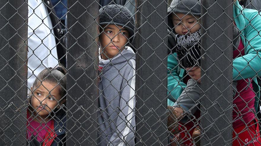 شرطة الهجرة الأميركية اعتقلت 50 ألف شخص عبورا الحدود مع المكسيك