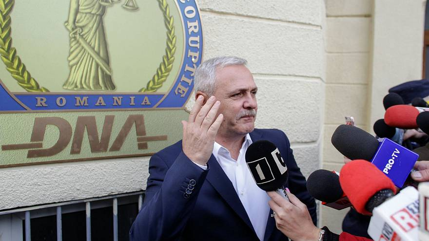 Romania suitcase mystery: journalists 'under political pressure' after Dragnea claims