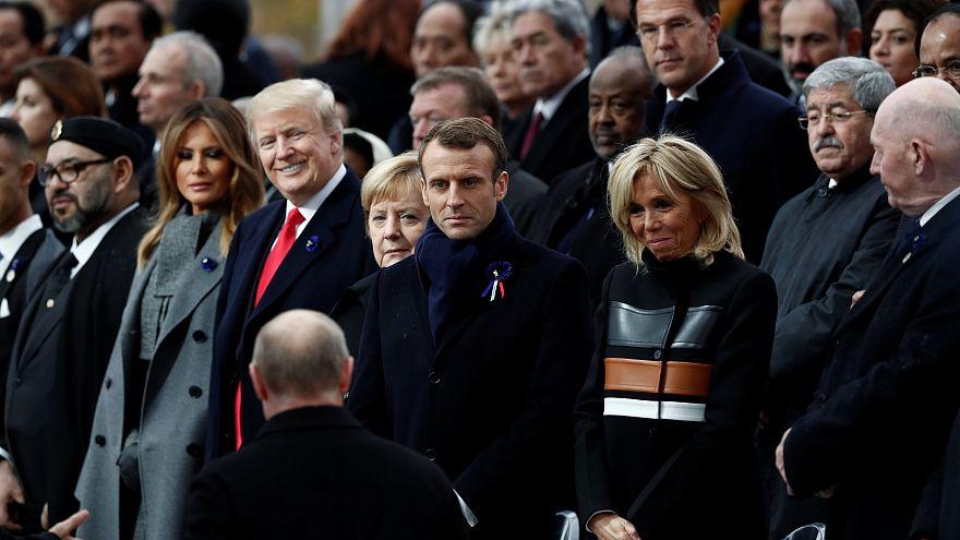 Sagen die Blicke alles? 5 Tweets zu Putin und Trump in Paris